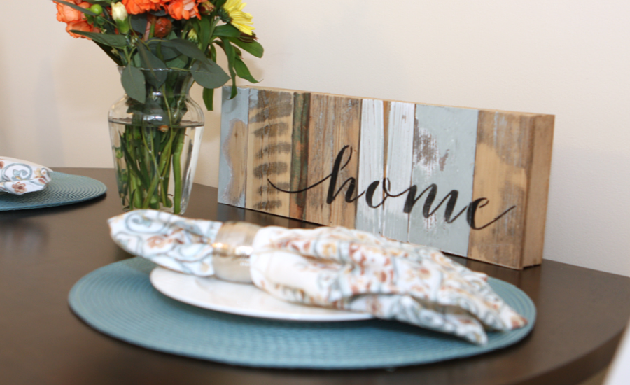 beautiful place setting in furnished respite apartment
